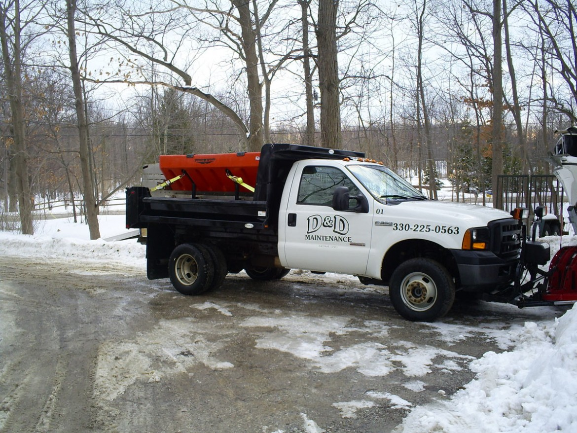 Commercial Snow Plowing Salting, Strongsville OH 44136